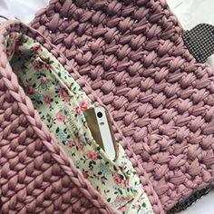 Доброе утро! В завершающем фото сумочки 'Тансылу' #bonito_bags_начинка . Всегда стараюсь подбирать ткань для подклада так, чтобы вы влюблялись в неё каждый раз, когда открывали сумочку 💞💖!
