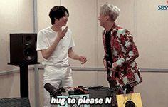 leo ravi wontaek hugs, Vixx, LR, Beautiful Liar,