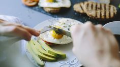 I Eat the Same Healthy Breakfast and Lunch Every Day—and Maybe You Should Too