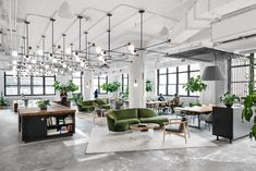 Shake Shack NYC Headquarters by Michael Hsu Office of Architecture - - Custom wooden furniture, upscale communal areas, and tucked-away conference spaces form the foundation for the fast food empire's domain. Interior Design Photos, Office Interior Design, Office Interiors, Modern Interior, Office Space Design, Workspace Design, Design Offices, Modern Offices, Office Designs