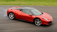 From one mid-engined supercar to another – Ferrari's stunning 458 Italia is arguably one of the fine. Ferrari 2017, New Ferrari, New Sports Cars, Sport Cars, Best New Cars, Performance Cars, Car In The World, Car Manufacturers, Autos