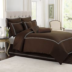 A chic double stitch accent elevates the sophisticated style of the Wamsutta® Baratta Stitch Comforter Set. Crafted of 400 thread count cotton sateen, its soft feel creates an inviting and cozy setting to drift asleep in.