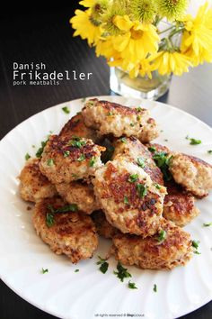 Frikadeller (Danish meatballs) are one of the great traditional Danish foods, but they also exist in many other northern countries with different variations of pork, veal and beef. Pork Recipes, Veggie Recipes, Dinner Recipes, Cooking Recipes, Meatball Recipes, Barbecue Recipes, Veggie Food, Cooking Tips, Dinner Ideas
