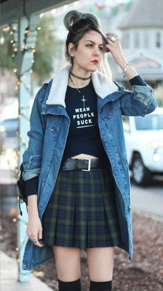 Faux shearing denim jacket, mean people suck graphic crop top & plaid skirt Indie Outfits, Grunge Style Outfits, 90s Fashion Grunge, Outfits Casual, Style Grunge, Cute Outfits, Fashion Outfits, Gothic Fashion, Women's Fashion