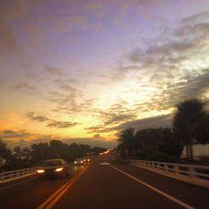 Life is about moments, don't wait for them.... Create them! #sunset #causeway #moments #livelife #islandlife #beachgirl #beachy #islandgirl #paradise #staysalty #saltlife #gulflife #oceanlove #wildchild #sanibelgirl #captiva #sanibelstar #sanibelisland #captivaisland #sanibel #ftmyers #swfl
