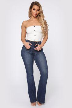 guns for women Denim Fashion, Girl Fashion, Fashion Outfits, Sexy Jeans, Skinny Jeans, Skinny Waist, Venus Clothing, Fashion Nova Models, Skirt Outfits