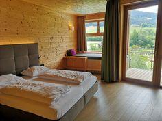 Wanderurlaub in Niederösterreich: Molzbachhof - The Chill Report Austria, Hotels, Bed, Furniture, Home Decor, Hiking, Decoration Home, Stream Bed, Room Decor