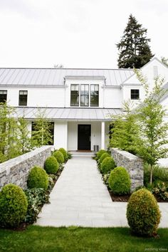 72 Simple Modern Farmhouse Exterior Design Ideas