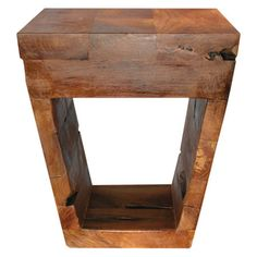 Bring natural style to your home with this eye-catching design, artfully crafted for lasting appeal.   Product: Side table