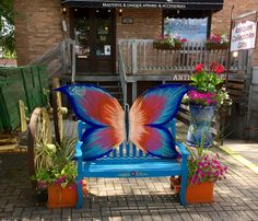 Butterfly bench in front of Briosa Boutique