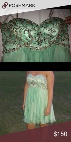 Prom dress Size 9 worn once bought Brand new for 300 Dresses Prom