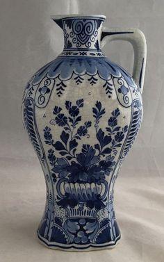 Online veilinghuis Catawiki: De Porceleyne Fles - Antiek blauw wit kruikvaasje