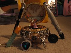 anastasia music box, crystal from atlantas, heart of the ocean, evening star from LOTR, this is so cooolll!!!.
