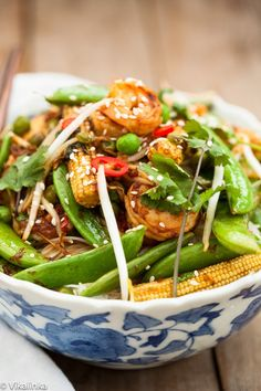 Speedy Sesame Shrimp Stir Fry-fresh shrimp and crunchy veggies will make forget you ever ordered takeout!