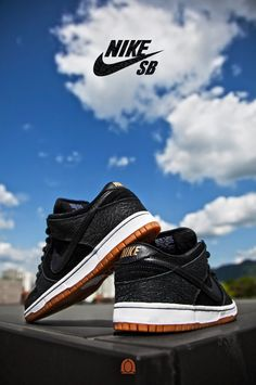 "Nike SB Dunk Low ""Entourage"""