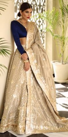 48 Ideas indian bridal reception dress bridesmaid for 2019 Indian Bridal Outfits, Indian Bridal Fashion, Indian Designer Outfits, Bridal Dresses, Designer Dresses, Bridesmaid Dresses, Indian Bridal Party, Wedding Bridesmaids, Indian Gowns