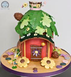 Google Image Result for http://www.dreamdaycakes.com/wp-content/uploads/2011/09/tinkerbell-cake-full.jpg