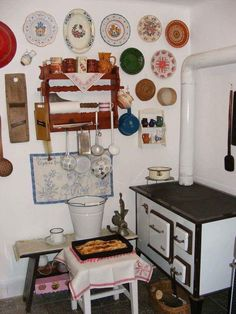Rustic Style, Rustic Decor, Kitchen Stove, Witch House, Traditional House, Kitchen Design, Gallery Wall, Furniture, Vintage