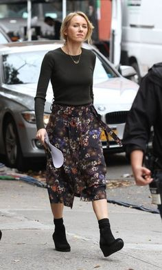 Naomi Watts Stars are spotted on the set of 'Gypsy' in New York City, New York on November 3, 2016.