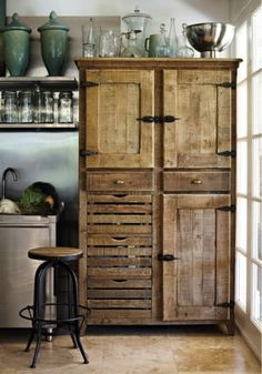 Loving this gorgeous vintage hutch