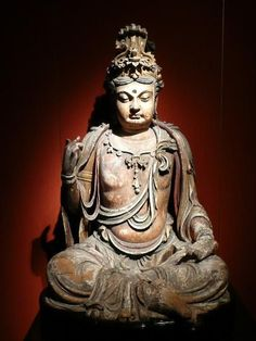 museum buddha statues
