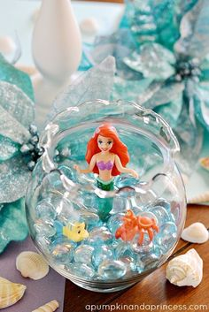 Really cute ideas for a Little Mermaid Party. Who wouldn't want a Little Mermaid Birthday Party! Mermaid Theme Birthday, Little Mermaid Birthday, Little Mermaid Parties, The Little Mermaid, Easy Party Decorations, Mermaid Party Decorations, Little Mermaid Centerpieces, Disney Princess Party, 4th Birthday Parties