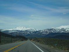 #Road #USA #Berge #Unendlichkeit #Kalifornien Foto: weltweiser-Team Mountains, Usa, Nature, Travel, Pictures, Infinity, California, Travel Inspiration, World