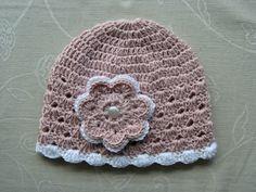 Jarní čepička s kytičkou - starorůžová/bílá Crochet Hats, Beanie, Hat Patterns, Fashion, Breien, Knitting Hats, Moda, La Mode, Fasion