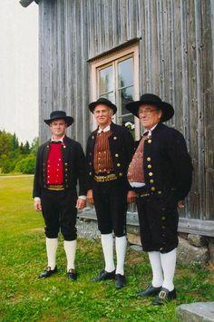 Traditional folk wear from Malax, Ostrobothnia, Finland | Malax Malax, Österbotten Folkdräkter - Dräktbyrå - Brage