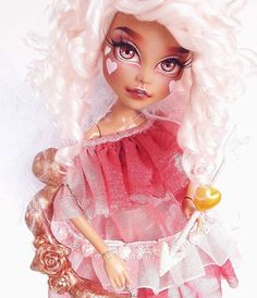 Monster High doll and wig customized by Mozekyto on Instagram and YouTube!