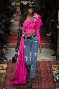 Moschino Autumn/Winter 2016 Ready-To-Wear Collection   British Vogue