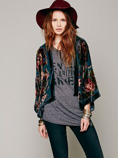 Free People Floral Bed Jacket http://www.freepeople.co.uk/whats-new/floral-bed-jacket/_/CMPAGEID/Cat%3A%20what%5C%27s%20new/