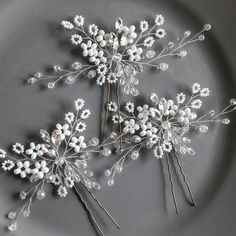 White bridal hair pins in set of 3 could help you to create a delicious wedding hair style for your Big day. This wedding headpiece offers you a bespoke combination of sparkling crystals, rhinestones with white glass beads. Choose DeliziosaAccessori!