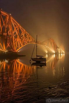 Brilliant pic of the #ForthBridge. Edinburgh & Beyond Photography.