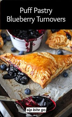 SIMPLE Puff Pastry Blueberry Turnovers - They're flaky and light, filled with blueberry filling from fresh blueberries and a great dessert or breakfast / brunch recipe. Serve them for the holidays as a treat, too. Best Breakfast Recipes, Best Dessert Recipes, Brunch Recipes, Amazing Recipes, Breakfast Ideas, Puff Pastry Recipes, Tart Recipes, Apple Recipes, Great Desserts