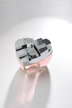 DKNY My NY Fragrance-got a sample from Sephora and this is the BEST smelling perfume I've ever tried & I'm picky!