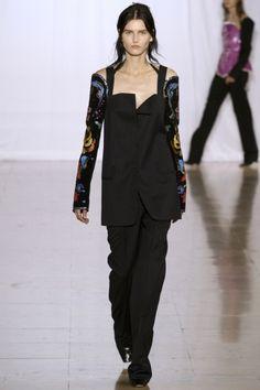 armhole  Sfilata Maison Martin Margiela Paris - Collezioni Primavera Estate 2014 - Vogue