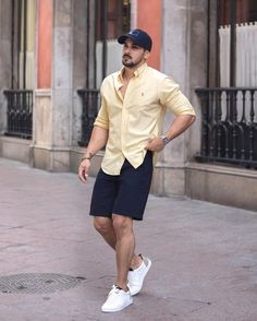 132 trendy men spring outfit with casual style - page 3 Summer Outfits Men, Stylish Mens Outfits, Summer Men, Men's Casual Outfits, Men Summer Fashion, Casual Shorts Outfit, Man Outfit, Mens Fashion Wear, Men's Fashion