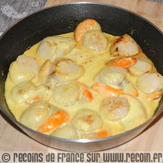 Recipe Scallops with curry - Francoise Urruela - Animal de soutien émotionnel Salmon Recipes, Fish Recipes, Seafood Recipes, Best Football Food, Crockpot Recipes, Cooking Recipes, Curry Recipes, Fish And Seafood, Easy Cooking