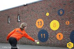 Wall ball with points