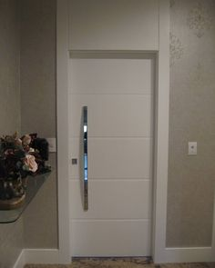 Porta pivotante especial   #porta #pivotante #moderna #resistente #arquitetura #requinte #linda #medidaespecial #luxo #designdeinteriores #casacor #curitiba #ecoville #projetoexclusivo #design #puxador #bandeirasuperior #marcenariaecoville #estetica