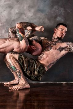 There's no shortcut to advanced bodyweight movements, but they come with a reward anyone can see. Here are the telltale signs that you built your body the old-fashioned way!
