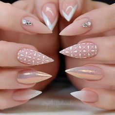 For those who like delicate nail design, Stiletto Nails are becoming a trend! More and more women choose this Stiletto Nail Designs! As far as nail art is concerned, stiletto style nails is a good reflection. They are basically elliptical, but at t Classy Nails, Stylish Nails, Cute Nails, Pretty Nails, My Nails, Bling Nails, Fall Nail Art Designs, Acrylic Nail Designs, Perfect Nails