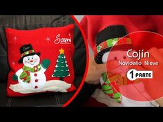 Cojín navideño Christmas Stockings, Sewing Projects, Youtube, Holiday Decor, Crafts, Home Decor, Christmas Ornaments, Christmas Cushions, Craft Videos