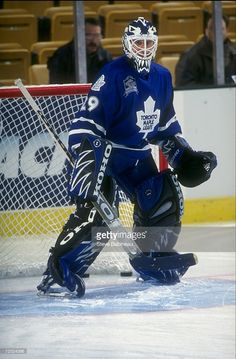 Toronto Maple Leafs, Hockey Goalie, Ice Hockey, What To Do When Bored, Action Pictures, Goalie Mask, Hockey Stuff, Sports Wallpapers, Nhl