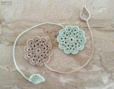 까꿍~^^오랜만에 코바늘 포스팅입니다^ 전에 티코스터를 올린적있었는데요티코스터도안에 이어 북마크 도안... Crochet Bookmark Pattern, Crochet Stitches Chart, Crochet Bookmarks, Crochet Flower Patterns, Crochet Books, Thread Crochet, Crochet Gifts, Crochet Motif, Diy Crochet