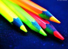 Neon Color Pencils ☻                     ⇜•ṄεΦЙ❉€яᗛƶΣ•⇝