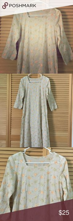 """Hand sewn kurta kameez linen long slit cover dress This has no tags and I believe is a hand made article. It is a tan linen with an embroidered type floral pattern. I have asked in a forum what to refer to this as, some said prairie dress, kameez portion of a salwar kameez, some said Indian Kurta. 3/4 sleeves with slits on the inner portion. Long bottom with tall slits on each side. Has very minor loose threading on a flower. Laying flat measurements: 14.25"""" across shoulders, 18.25"""" pit to…"""
