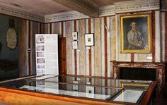 An Alabastro di Busca fireplace in the Bonaparte House in Ajaccio. #marble #italy #bonaparte #busca #alabastro Piedmont Region, Three Floor, Turin, Small Towns, Gallery Wall, House, Flooring, Room, Furniture