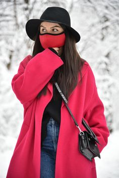 Face Mask with Filter/Red Mask/Activity Mask/Face Washable Mask/Reusable Activity Mask/Activity Mask/Dust Face Mask/Neoprene Red Mask, White Face Mask, Black And White Face, Blue Mask, Black Tops, Best Face Mask, Face Masks, Color Blocking Outfits, Fashion Face Mask